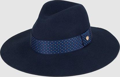 Chapéu de mulher em feltro azul marinho com laço estampado b70b66b8c7d9